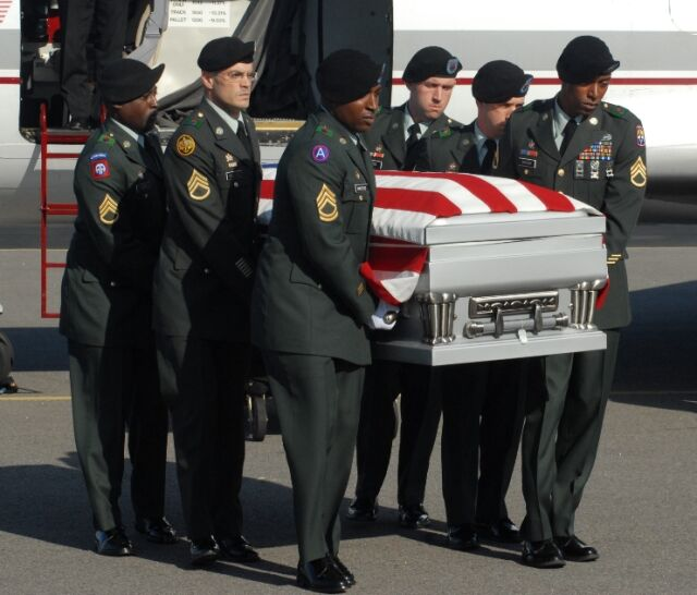 Irakijczycy oddali ciało ostatniego Amerykanina