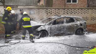 """Pod Warszawą spłonął radiowóz. """"Prawdopodobnie doszło do samozapłonu"""""""