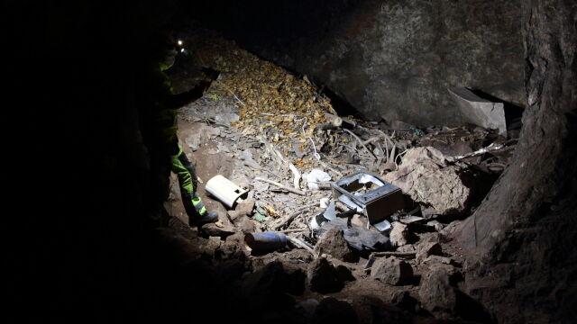 Jaskinia w Sudetach zasypana azbestem