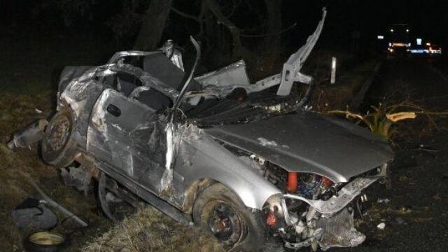Samochód wyrzuciło w powietrze, drzewa zniszczone na wysokości dwóch metrów