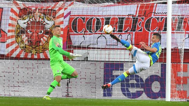 Efektowny gol Milika uratował Napoli. Porażka w Salzburgu bez konsekwencji