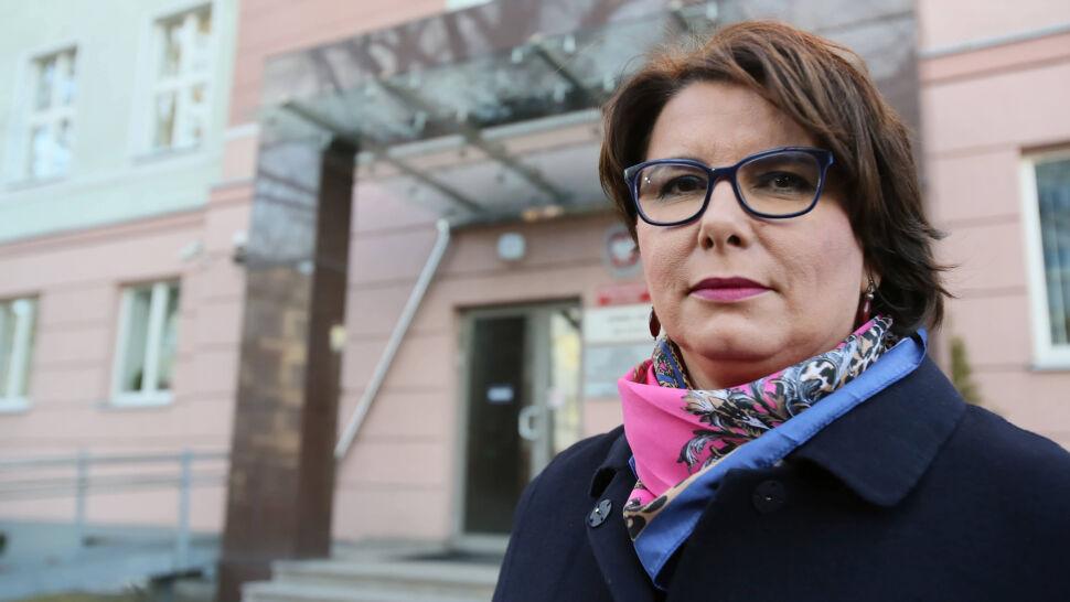 Sąd uchylił decyzję o zwolnieniu tłumaczki Tuska z tajemnicy. Prokuratura nie rezygnuje