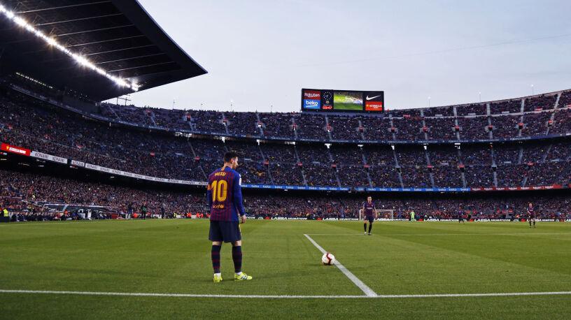 Liczby za Barceloną. Z Ligi Mistrzów nie odpada tak wcześnie