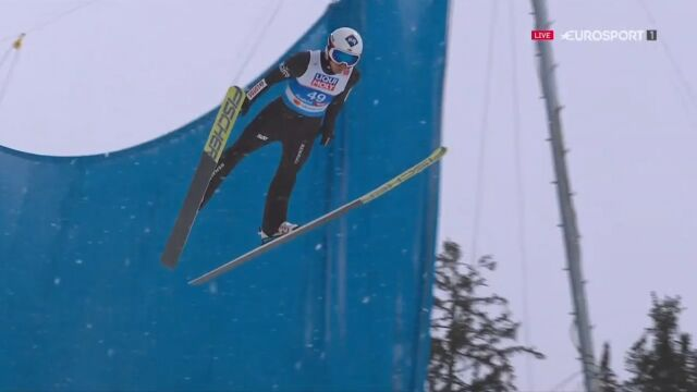 Skok Kamila Stocha z 1. serii konkursu na skoczni normalnej