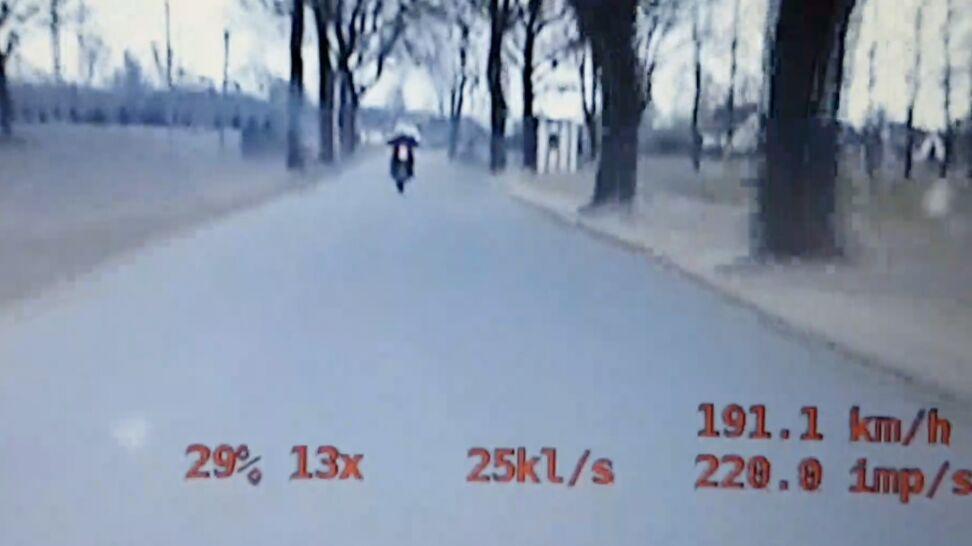 Pędził przez miasto kradzionym motocyklem.