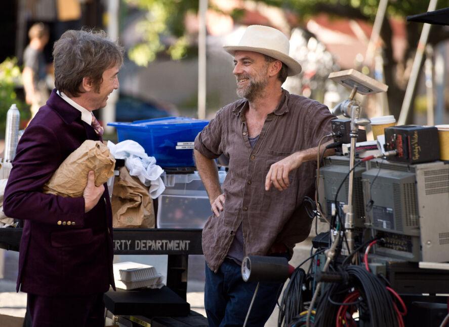 "Martin Short i Paul Thomas Anderson na planie filmu ""Wada ukryta"""