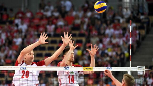 Mistrzowie olimpijscy za mocni. Siatkarze jeszcze niepewni awansu