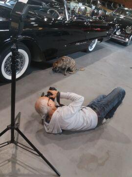 Fotograf w trakcie pracy na planie