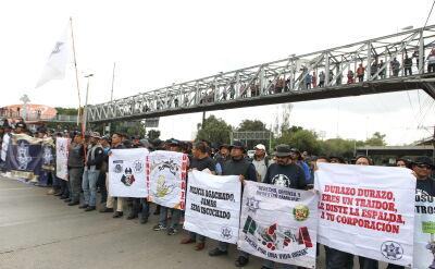 Meksykańscy policjanci zablokowali stołeczne lotnisko