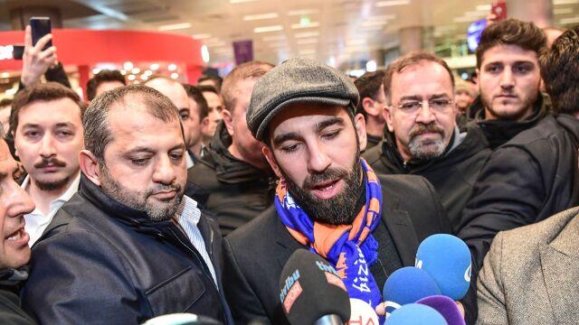 Pobił piosenkarza, później użyłbroni. Turecki piłkarz Barcelony usłyszał wyrok
