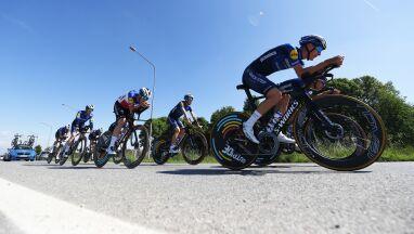 Wrócił po wypadku, lider Giro pod wrażeniem.