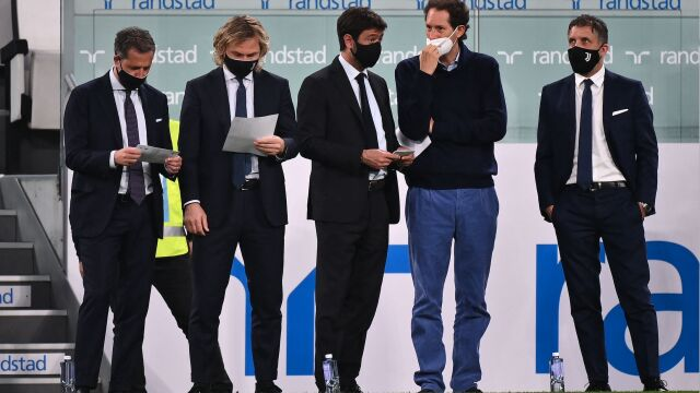"""Prezes włoskiej piłki grozi Juventusowi wyrzuceniem z rozgrywek. """"Takie są zasady"""""""