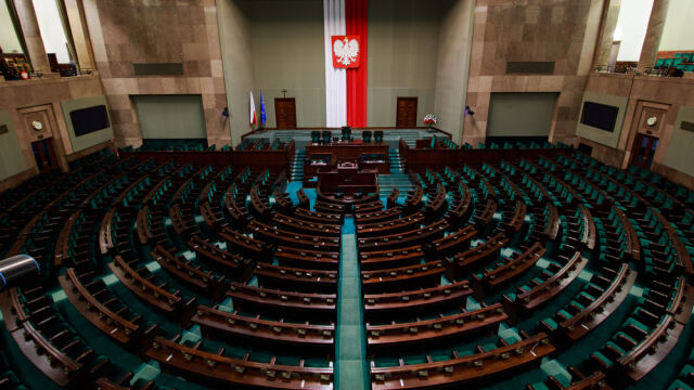 Late poll: Law and Justice wins parliamentary election with 43.6 percent of votes
