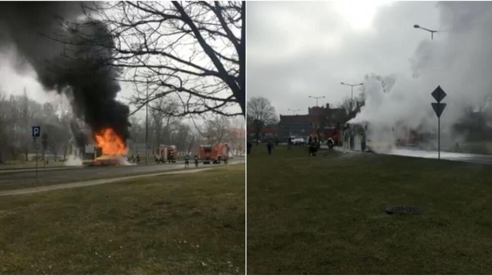 Ogień i kłęby dymu. Tak płonął miejski autobus