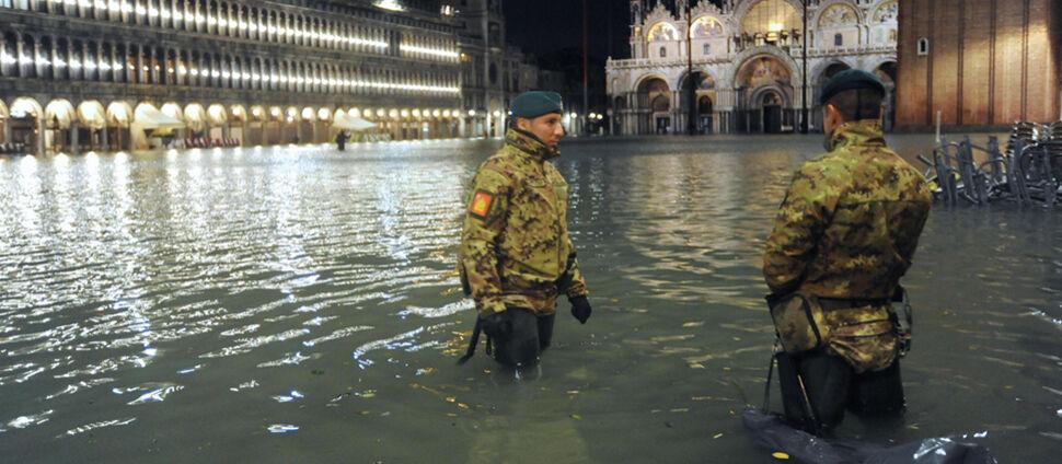 """Najwyższy poziom wody od ponad 50 lat.  """"Katastrofa"""" w Wenecji"""
