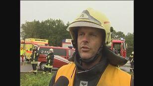 Strażak biorący udział w akcji (TVN24)