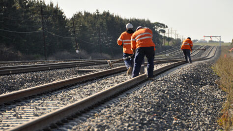 Szybciej do megalotniska. Oto propozycje nowych tras na kolei