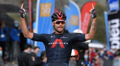 Ganna powtórzył manewr z Giro. Kwiatkowski wciąż tuż poza podium