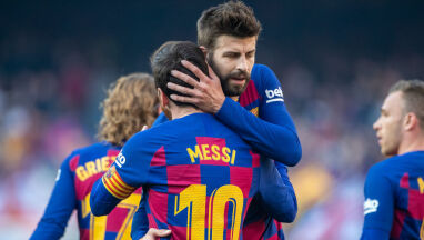 Gwiazdy Barcelony rezygnują z części wynagrodzeń