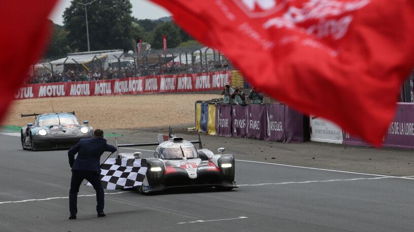 """350 kilometrów przewagi, rekord prędkości z lat 80. Wszystkie """"naj"""" 24-godzinnego wyścigu Le Mans"""