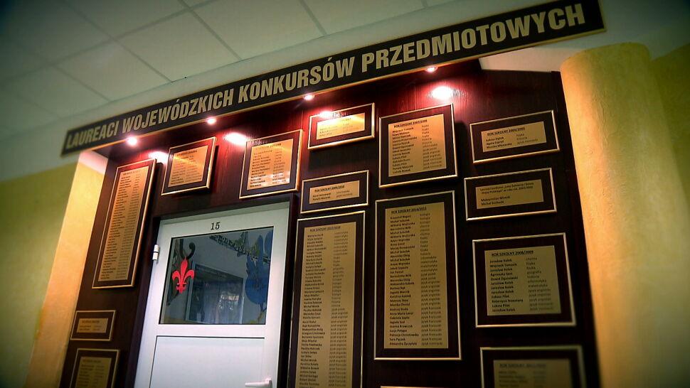 """""""Wspólna rola"""" Lecha Kaczyńskiego i Jana Pawła II na szkolnym konkursie. """"Tendencyjne, szkodliwe"""""""