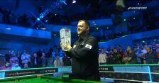 Allen odebrał trofeum za wygranie Northern Ireland Open 2021