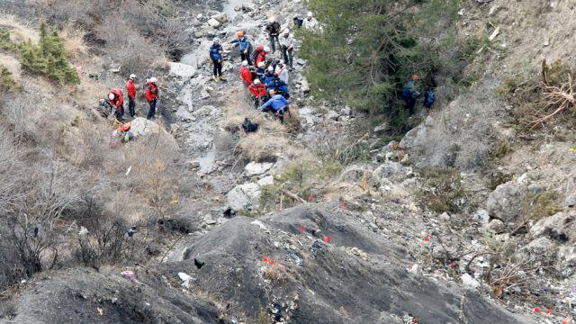 """""""NYT"""": jeden z pilotów airbusa był poza kabiną w chwili katastrofy"""