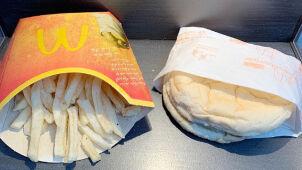 10. urodziny burgera z frytkami.