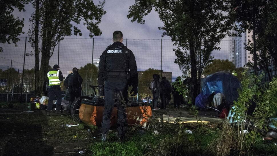 """Nielegalne obozy w Paryżu zlikwidowane. Minister zapowiada """"codzienne obławy"""""""
