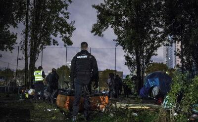 Ewakuacja migrantów z zaimprowizowanych obozów pod Paryżem