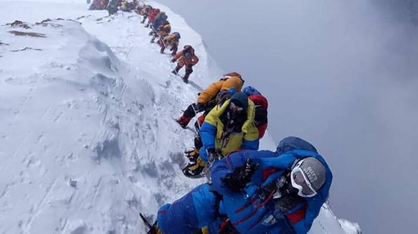 Śmiertelna kolejka na Mount Everest.