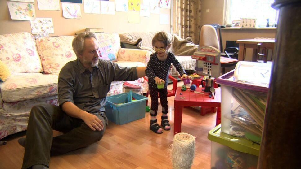 5-letnia Ania starzeje się w przyspieszonym tempie. Pomóc jej może droga, eksperymentalna terapia