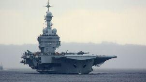 De Gaulle zostanie na misji dłużej