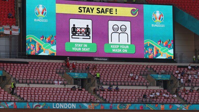UEFA ostrzega: mecze Euro 2020 mogą powodować wzrost zakażeń