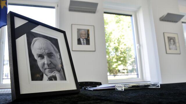 Pożegnanie Helmuta Kohla. Trzy przystanki na ostatniej drodze
