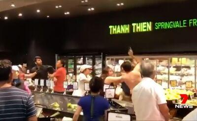 Bójka w sklepie spożywczym. Poszło o czereśnie