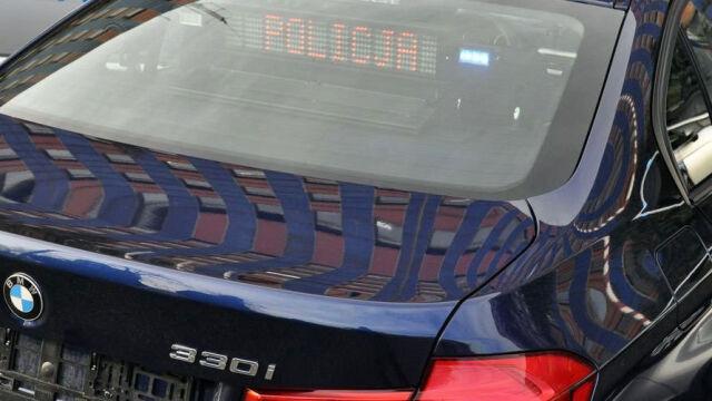 Kilkadziesiąt kolizji nowych samochodów pościgowych policji