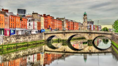 Prezesowi PiS marzy się druga Irlandia. Ekonomista: nie idziemy w tym kierunku