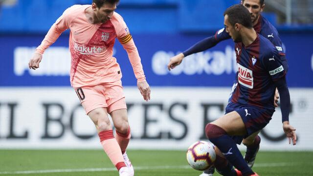 Ostatni błysk Messiego to za mało. Barcelona straciła punkty na koniec sezonu