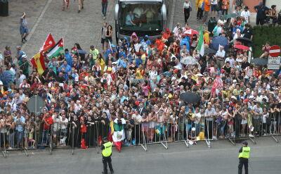 Przejazd papieża ulicami Krakowa