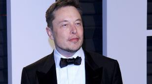 Musk zmienił nazwę konta na Twitterze. Po jego wpisie kurs akcji wystrzelił