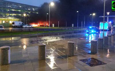 Pożar na parkingu przy lotnisku Stavanger