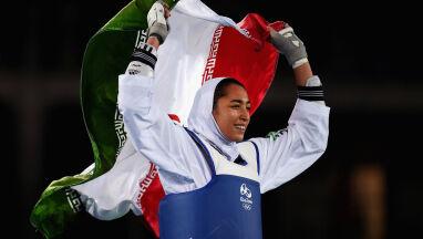 Pierwsza irańska medalistka olimpijska opuściła kraj.