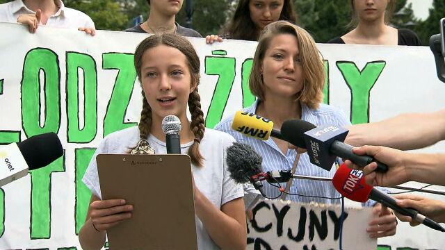 Thirteen-year-old Inga Zasowska takes her inspiration from Swedish schoolgirl Greta Thunberg's weekly school strikes