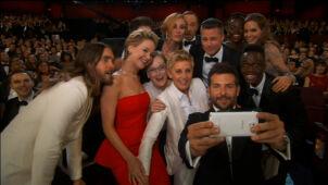 """Zaplanowana spontaniczność. """"Selfie"""" z Oscarów to kampania reklamowa Samsunga"""