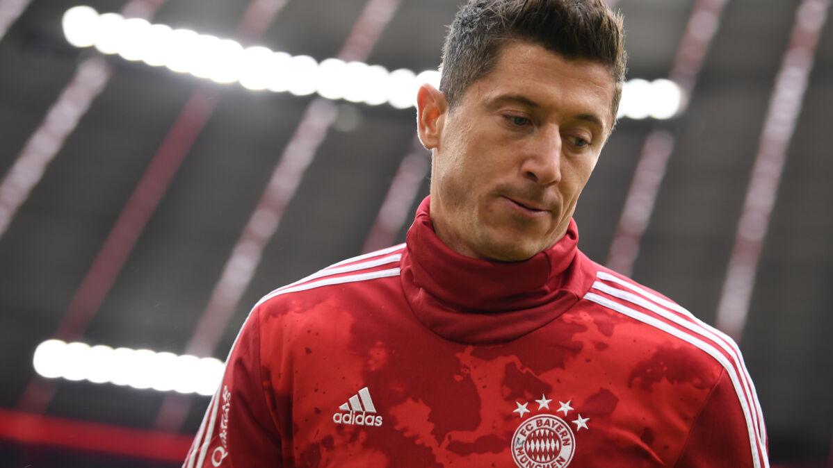 """Forma Lewandowskiego może zgubić Bayern. """"Zależny bardziej niż kiedykolwiek"""""""
