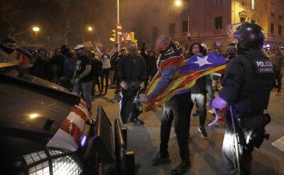 Hiszpańscy neonaziści w trakcie starć w Barcelonie