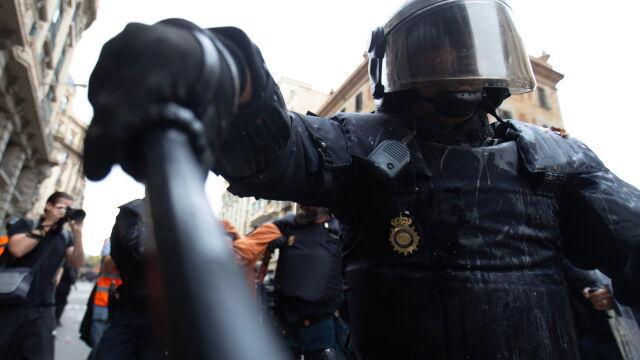 Media oskarżają policję o brutalność. Wzywają ministrów do dymisji