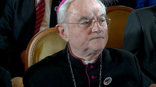 "Arcybiskup Hoser: pigułka ""dzień po"" powinna być na receptę"