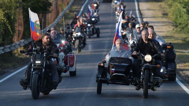 Putin na Krymie na czele kolumny Nocnych Wilków